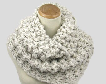 Knit Cowl, Hand Knit Cowl, Knit Cowl, Circle Scarf, Outlander Inspired Cowl, White Scarf,  Winter Scarf, Infinity Scarf, Chunky Scarf