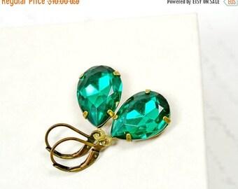 SALE Emerald Green Estate Earrings, Vintage Emerald Rhinestone Earrings, Retro Hollywood Estate Style Jewelry, Vintage Glass Earrings