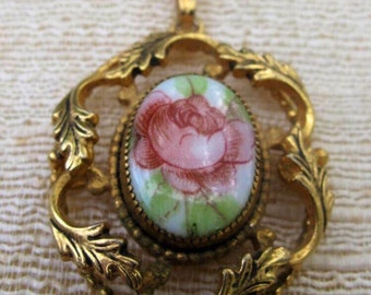 Floral Pendant Goldtone Estate Jewelry