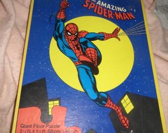 "1977 Amazing Spider-man ""Giant floor jigsaw puzzle"", complete with original box: Rare  vintage 1970's Marvel Comics  hero"