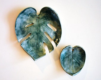 Monstera Wall Hanging, Two Leaves, Pottery, Ceramic - Handmade - Tropical leaf, Philodendron,
