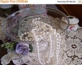 Valentines SALE Vintage Pressed Glass Cake Stand, Simple Elegance, Beaded Edge, early 1900s, 1910s-20s, Cake Plate, Centerpiece, Wedding Rec