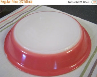 SALE Vintage 50s Pyrex Pie Plate, 9 inch, Flamingo Pink,  #909, Pink Pie Plate,