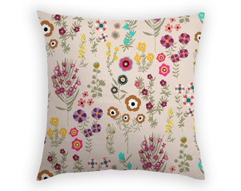 Throw Pillow - Botanical Finds Beige - 17 x 17 Inch - Floral Cushion