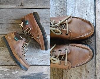 Eastland Boots Size 7 wom   //  Womens Hiking Boots Size 37.5  //  CHUKKA HIKERS