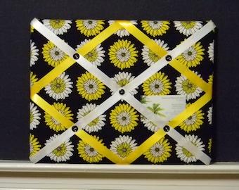 11 x 14 Daisy Memory Board