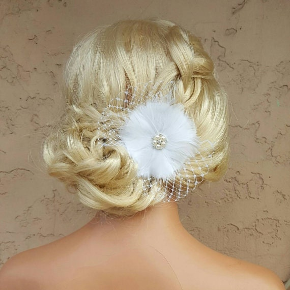 Bridal Hair Clip, Feather Hair Clip, French Net, Feather Flower Fascinator, Wedding Fascinator, Wedding Hair Clip, Ivory Fascinator, White