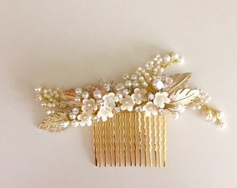 Damini >> Delicate Bridal hair comb #03   ivory flowers crystals pearls Rhinestones Ivory wedding