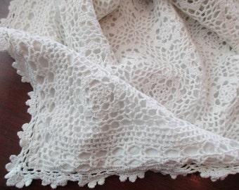 white crocheted PILLOW SHAM - lace, scalloped, cotton