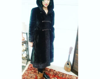 B E A U T I F U L 1950s 1960s Dark Brown Faux Fur Borgana Long Coat