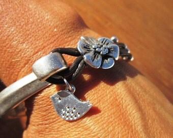 Women leather bracelet, flower leather bracelet, bird bracelet, womens bracelets, silver bracelet, leather bracelet, beaded Bracelets, gifts