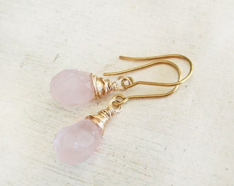 Rose quartz earrings, solid gold earrings with rose quartz, gold wire wrapped earrings with rose quartz drop, rose quartz dangle earrings