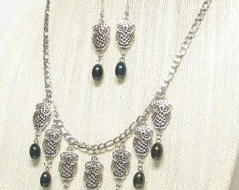 """21"""" Antique Silver Owl Necklace Set"""