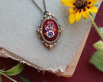Lil White Anemone- hand embroidered necklace, floral, bouquet,