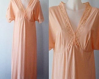 Vintage Peach Nightgown, Vintage Nightgown, Peach Nightgown, 1980s Nightgown, Vintage Lingerie, Nightgown