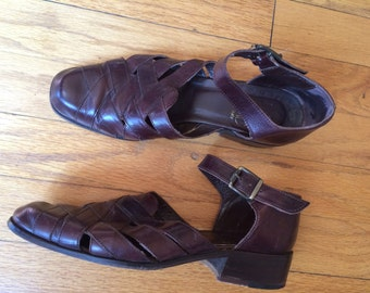 1990's Joan & David woven cut out leather shoe / chunky heel / handmade in Italy / vintage
