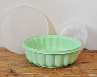 Vintage Tupperware Jello Mold Jadeite Mint Green 3 Piece Ice Molds Party Ring Retro