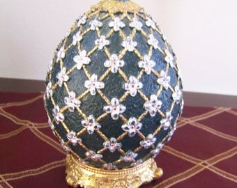 Vintage Egg Shaped Candle - Gift for Mom/Grandma - Faberge Inspired - Engraved Flowers - 1990s - Green,Gold & Grey Candle