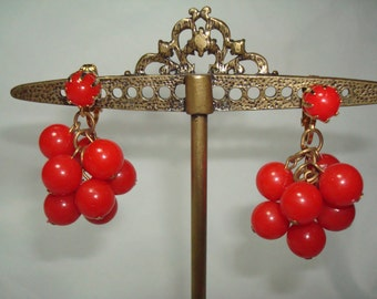1960s Red Beaded Dangly Clip On Earrings.