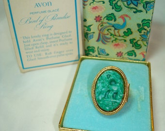 AVON 1970 Bird of Paradise Perfume Glace Ring.