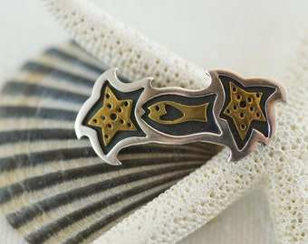 Vintage Sterling Silver Brass Whimsical Far Fetched Fish Starfist Brooch Pin  .....5146
