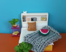 Chunky knitted throw. Size small. Doll house bedding. Big knitting. Miniature decor. Mini couch rug. Choose Grey, white, yellow yarn, wool.