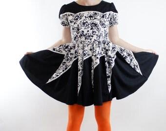 Vintage 50's Rockabilly dress, Black, White, Gray, watercolor floral pattern, full skirt, western yoke front - Small / XS