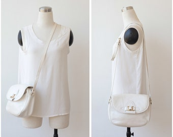 Free Shipping. White Leather Bag, Shoulder Bag, White Bag, Cross Body Bag, Crossbody Bag, 1980s Leather Handbag