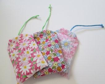 Set of three (3) teabag shaped kitten/cat catnip toys in beautiful flower designs.