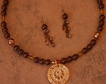 Nautilus Embrace - Necklace, Earrings in warm brown and amber