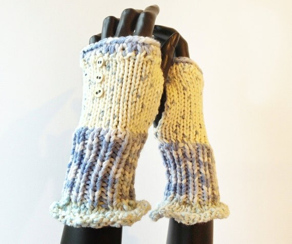 Snowball Frilly Fingers - Fingerless Wristwarmer - Blue and Cream Fingerless Gloves