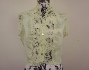 Vintage Sheer Mint Crop Blouse / Sleeveless Lace Shawl Collar Short Top / Green Buttoned Shirt