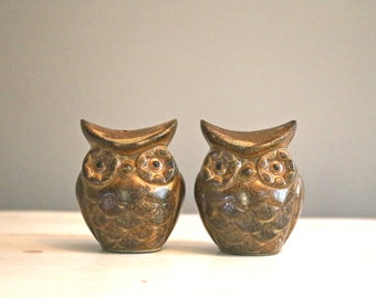 On Sale Owls Salt and Pepper shakers Ceramic