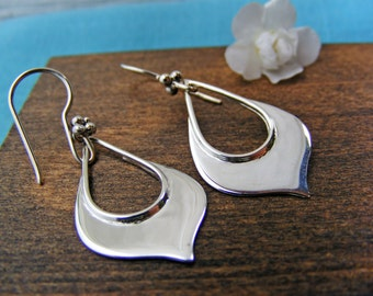 Lotus Jewelry, Lotus Earrings, Lotus Petal Earrings, Zen Earrings, Yoga Jewelry, Simple Jewelry