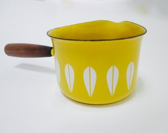 Yellow Cathrineholm Lotus  Pan  Butter Warmer Saucier Swedish Casserole Enamel Pot Sweden  Modernist era   Danish Modern CatherineHolm  Pan