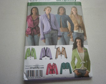 Pattern Women  Jacket 5 Styles Sizes 14 to 22 Simplicity 4029