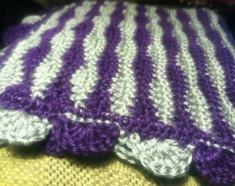 New Waves afghan with Treble trim