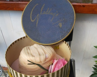 Vintage Hat and Hat box  Quaker-Maid Exclusive