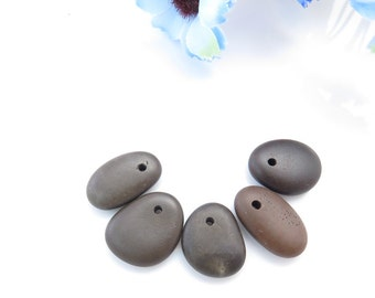 Top Drilled Dark Beach Stones 5 pcs, Beads for Jewelry Design, Jewelry Supplies Rocks, Drilled Sea Pebbles