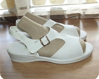 Vintage 50s Sandals | 1950s Shoes | T-Strap Wedges | Open Toe | White Canvas | Daniel Green | Size 6.5 | Pin-Up Swing Rockabilly VLV
