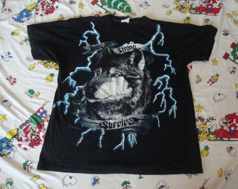 Vintage American Thunder Only the Strong Survive Lone wolf Motorcycle Biker Lightning Bolts punk rock hipster Heavy Metal T Shirt XL