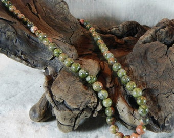 """Green pink unakite necklace 20"""" long granite graduated size rainforest rhyolite semiprecious stone jewelry packaged in a gift bag 11845"""