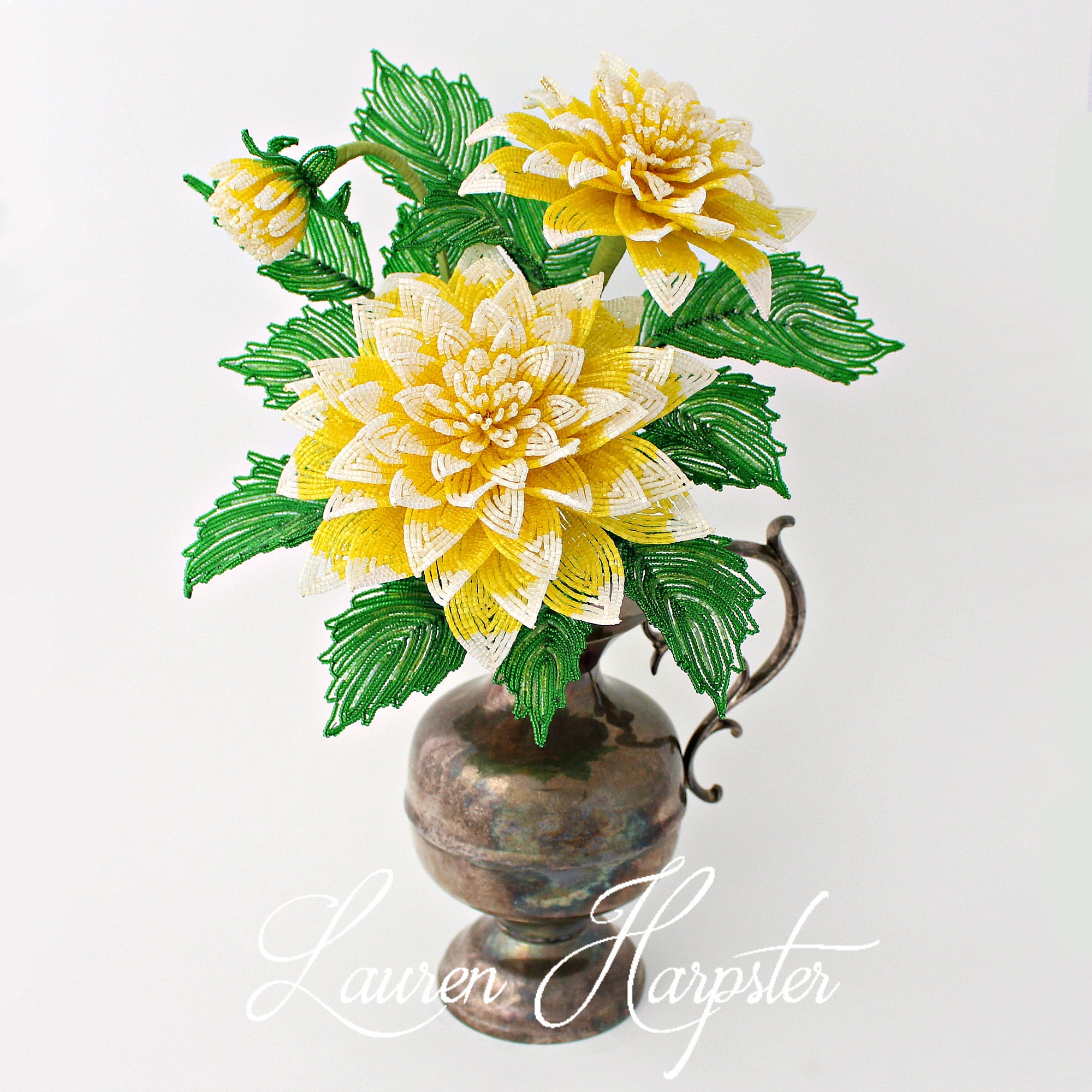 Как сделать цветы из бисера
