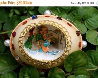 ON SALE Vintage Chicken Egg Shell Christmas Diorama with Metallic Trim Scene Fabergé Style - Orange Velvet, Metallic Trim - Little Girls
