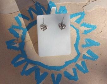 Earrings of hearts