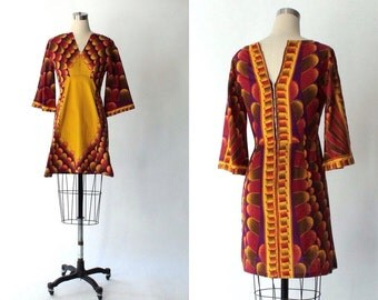 1970s African Print Cotton Dress with Flared Sleeves // 70s Vintage Ethnic Mini Dress // Small