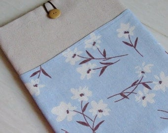 "RM 11"" 13"" Macbook Pro case, Macbook Air cover, Surface RT Pro, iPad Pro, Custom tablet sleeve with 2 pockets - White flowers on light blue"