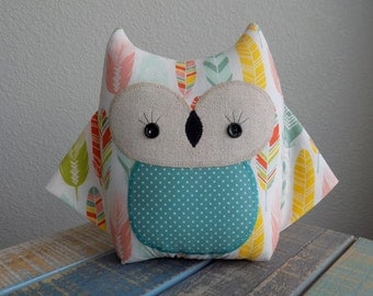 Owl pillow plush toy in boho chic feather print, owl toy, owl nursery decor, feather print owl pillow, owl stuffed toy, girl owl pillow
