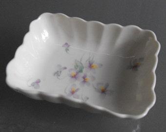 Mikasa Ivory Bone China Soap or Trinket Dish, Vintage China Dish, Delicate Violet Designm, Narumi Japan, Lila B2006
