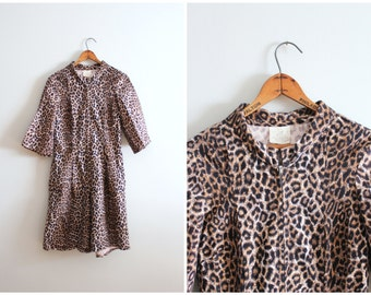 vintage 50s leopard romper - cotton leopard print shortall / 1950s pin up romper - 60s loungewear / 50s animal print shorts - zip up onesie